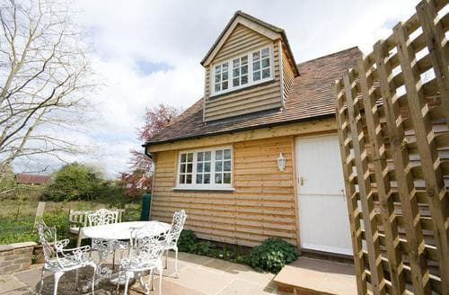 Last Minute Cottages - Charming Beckley Cottage S45609