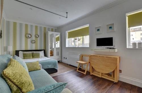 Last Minute Cottages - Adorable Brighton Apartment S57567