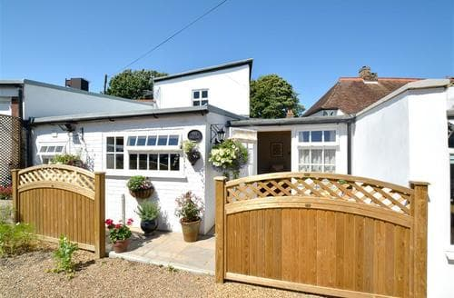 Last Minute Cottages - Adorable Sandwich Cottage S37566
