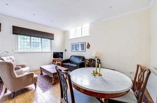 Last Minute Cottages - Wonderful Rottingdean Apartment S12653