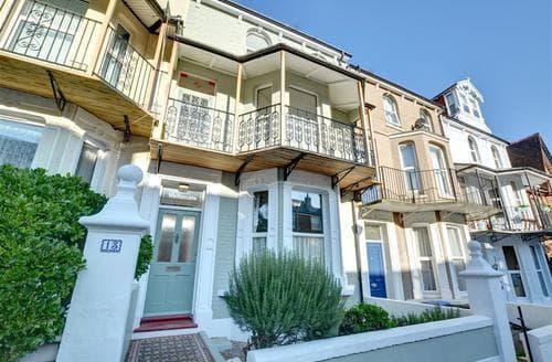Big Cottages - Tasteful Ramsgate Rental S10481