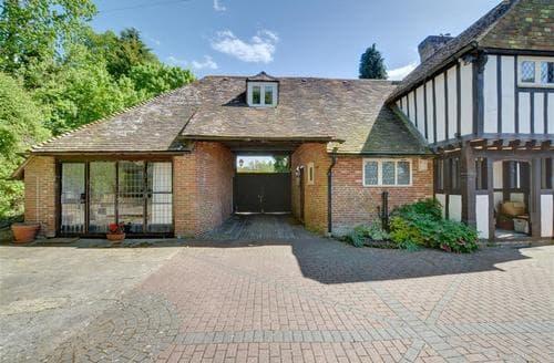 Last Minute Cottages - Gate House at Pilgrims