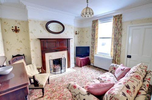 Big Cottages - Beautiful Scarborough Rental S10801