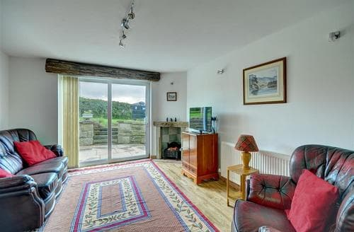 Last Minute Cottages - Meadow Bank