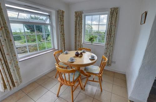 Last Minute Cottages - Adorable Criccieth Rental S11307