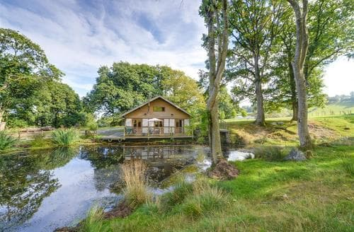 Last Minute Cottages - Derw Lodge