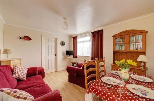 Last Minute Cottages - Inviting Manorbier Cottage S43822
