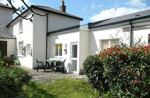 Last Minute Cottages - Wonderful Cardiff Rental S11224