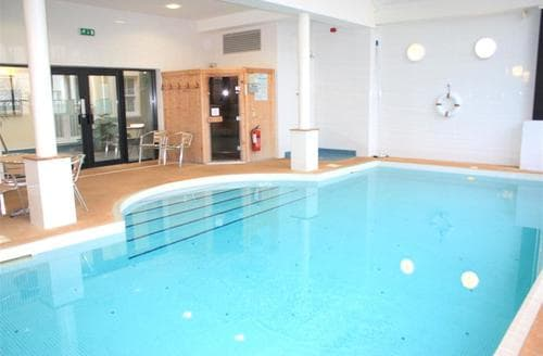 Last Minute Cottages - Attractive Tenby Apartment S43792