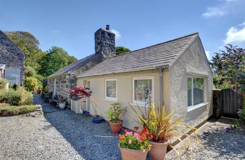 Last Minute Cottages - Tasteful Criccieth Rental S25774