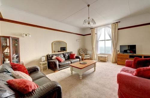Last Minute Cottages - Attractive  Apartment S44022