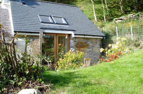 Last Minute Cottages - Llechfraith Uchaf Annexe