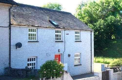 Last Minute Cottages - Danycrug (First Floor)