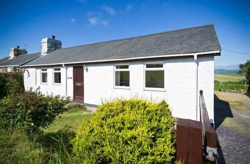 Last Minute Cottages - Gorgeous Abersoch Cottage S73777