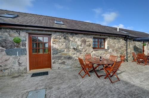 Last Minute Cottages - Cosy Y Felinheli Rental S11317