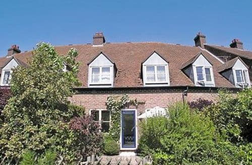 Last Minute Cottages - Delightful Newport Cottage S14259