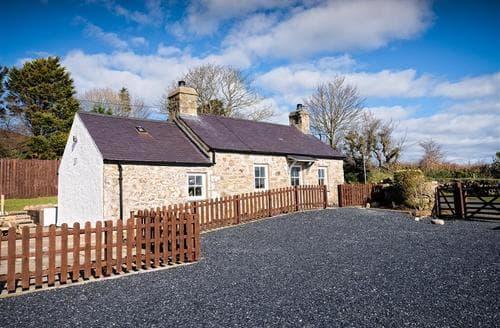 Last Minute Cottages - Stunning Mynytho Cottage S73745