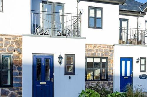 Last Minute Cottages - 5 Afon y Felin