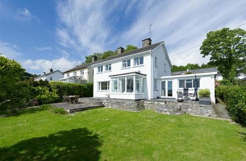 Last Minute Cottages - Lovely Llanbedrog Cottage S73725