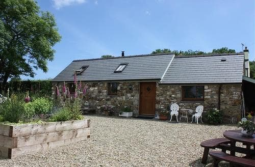 Last Minute Cottages - Love Cottage - Begelly