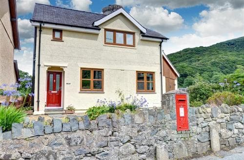 Last Minute Cottages - Y Bera