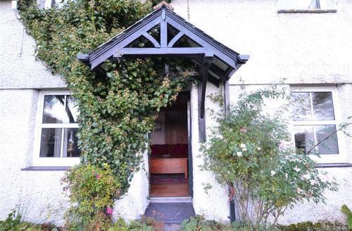 Last Minute Cottages - Lovely Caernarfon Cottage S72717