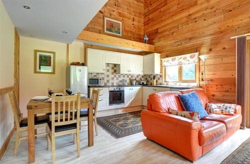 Last Minute Cottages - Cedar Lodge
