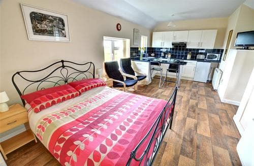 Last Minute Cottages - Beautiful Carmarthen Rental S11333