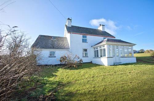 Last Minute Cottages - Crowrach Uchaf Cottage