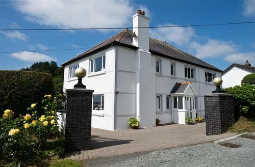 Big Cottages - Gorgeous Amroth Lodge S43775