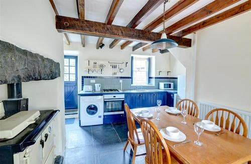 Last Minute Cottages - Ty Newydd