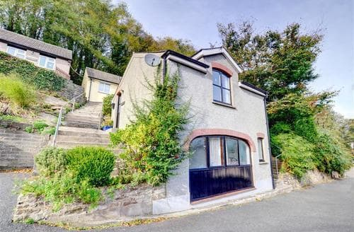 Last Minute Cottages - Quaint Haverfordwest Rental S11202