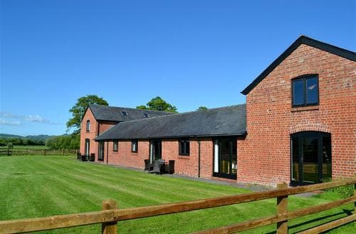 Last Minute Cottages - Beautiful Caersws Rental S13376