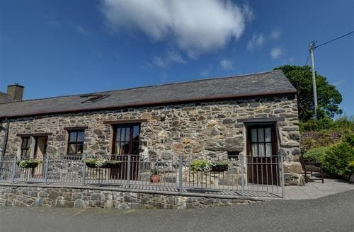 Last Minute Cottages - Lovely Llanrwst Rental S11460
