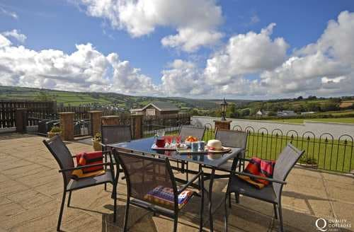 Last Minute Cottages - Golwg Y Dyffryn (Valley View)