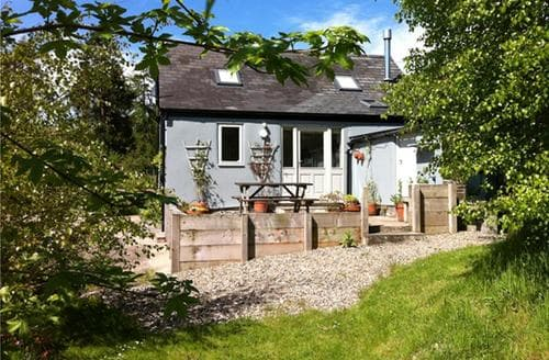Last Minute Cottages - Cefn Bach