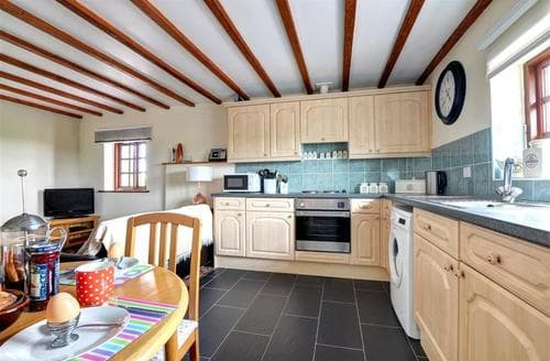 Last Minute Cottages - Adorable Y Felinheli Rental S11169