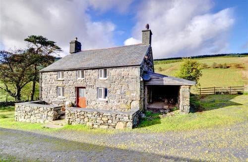 Last Minute Cottages - Cwm Hesgen