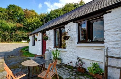 Last Minute Cottages - Beautiful Llandeilo Rental S11424