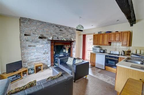 Big Cottages - Danycrug (Ground Floor)
