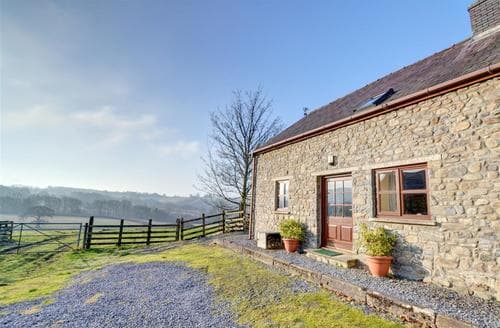 Last Minute Cottages - Stabal