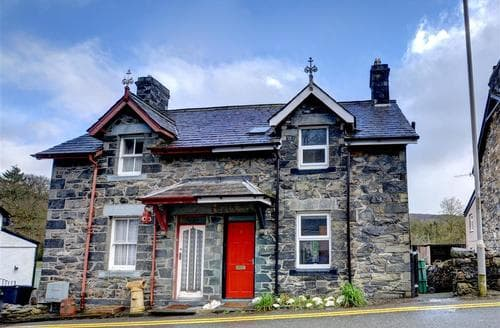 Last Minute Cottages - Cosy Betws Y Coed Rental S11381