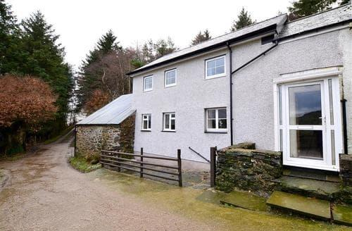 Big Cottages - Charming Maerdy Rental S11435