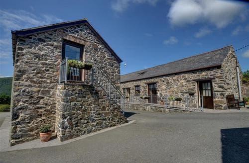 Last Minute Cottages - Excellent Llanrwst Rental S11482