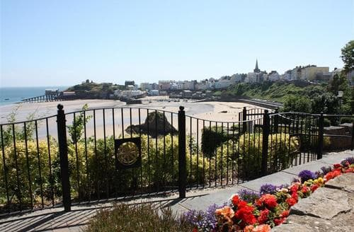 Last Minute Cottages - Lovely Tenby Apartment S46100
