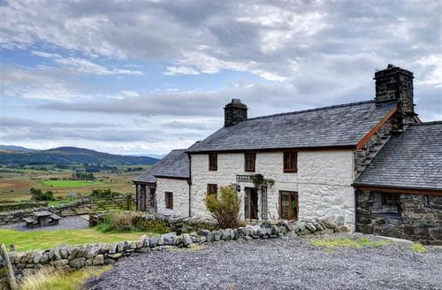 Last Minute Cottages - Ty Cerrig Cottage