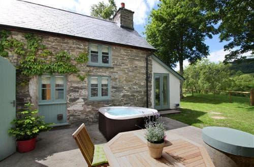 Last Minute Cottages - Ghillies Cottage