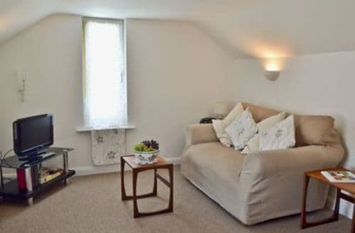 Last Minute Cottages - Tasteful Ryde Cottage S14313