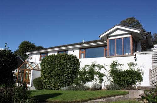 Last Minute Cottages - Stunning Saundersfoot Apartment S43803