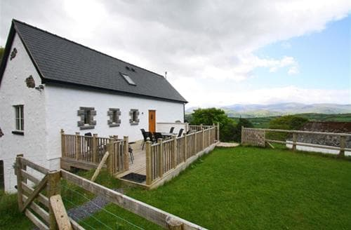 Last Minute Cottages - Red Kites Retreat